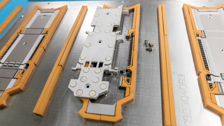 crease-plate-die|+ for the production of cigarette boxes with elasto buffer | Marbach Group | © Marbach Group