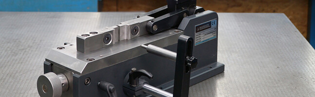 mbend: The manual bending device to optimize bending processes.